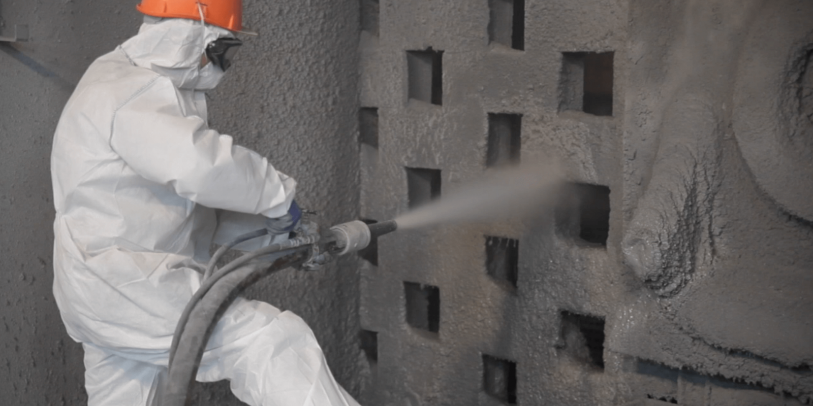 Installation of insulating refractory